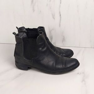 vintage Leather Chelsea boot ladies size 8